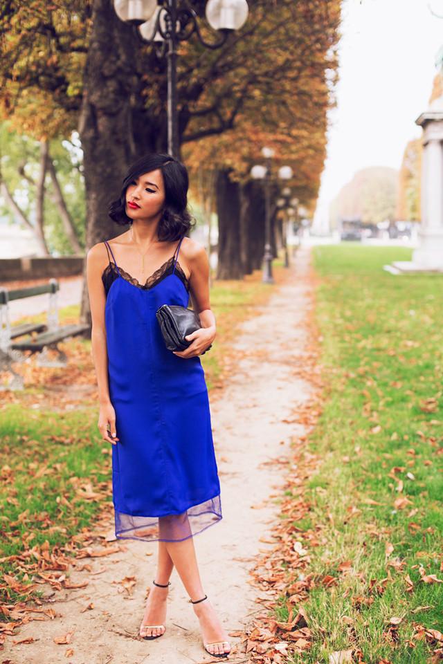 7330482c3 Vestidos lenceros tendencia Navidad 2013 Gary Pepper azul klein